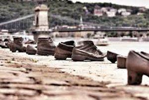 Danube-Shoes-Memorial
