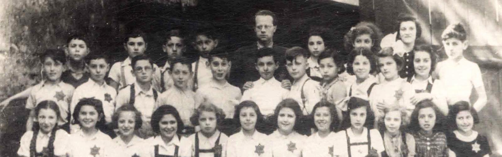Memorial Scrolls Trust Class of 1942